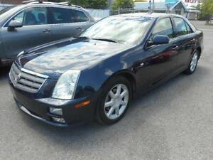 CADILLAC STS 2005 ( TOIT OUVRANT, ON STAR, CRUISE CONTROL )
