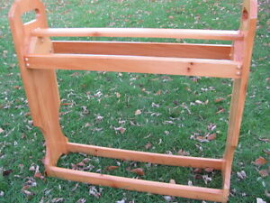 Pine Quilt or Towel Rack