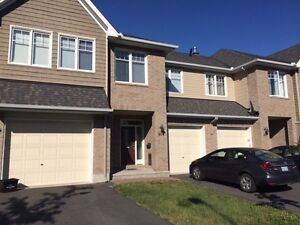 Beautiful 3 bedroom house for Rent in Findlay Creek