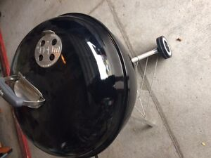 """CharBroil 22.5"""" Charcoal Kettle Grill London Ontario image 2"""