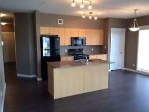 The Zen - 2 Bedroom, 2 Bathroom - Downtown - HALF OFF LAST MONTH