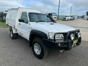 2015 Nissan Patrol Y61 Series 5 MY15 DX White 5 Speed Manual Cab Chassis Singleton Singleton Area Preview