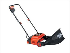 BLACK & AND DECKER GD300 LAWN RAKER / SCARIFIER / MOSS EATER 30CM 600W 240V