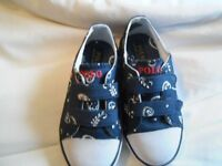 Chidrens POLO trainers BRAND NEW SIZE 9 S