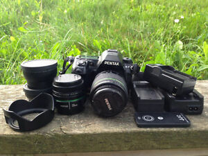 PENTAX K-7 (LENS+BATTERIES+REMOTE+ACCESSORIES)