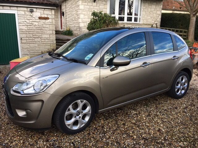 2011 citroen c3 1 6 vti 16v 120bhp auto exclusive gold 5 door 32 600 miles in dorchester. Black Bedroom Furniture Sets. Home Design Ideas