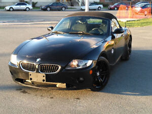 2005 BMW Z4 2.5i Convertible BLACK ON BLACK!