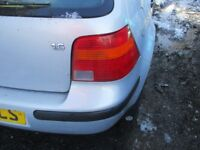 VOLKSWAGON GOLF 1.6 MK4 1997 SILVER OFFSIDE DRIVER RS REAR LIGHT COMPLETE WITH BULB HOLDER
