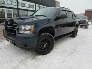 2009 Chevrolet Avalanche LS CREW CAB ACCIDENT FREE