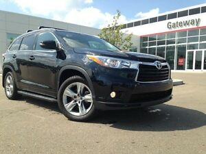 2015 Toyota Highlander Limited AWD, Navi, Pano Roof, Heated Stee