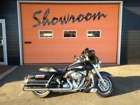 2009 Harley-Davidson( STREETGLIDE ) Electra Glide Classic. MINT!