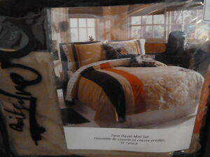 Quicksilver Twin Duvet Cover set