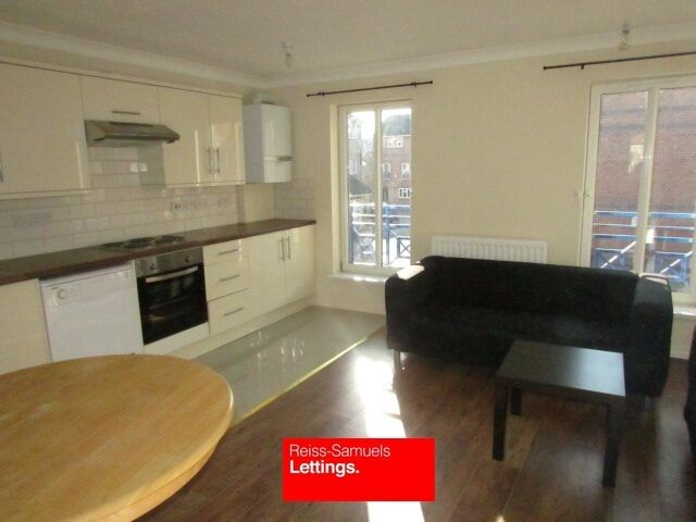 BRAND NEW 6 BED 3 BATHROOMS TOWNHOUSE A FEW MINUTES WALK TO MUDCHUTE DLR STATION OFFERED FURNISHED