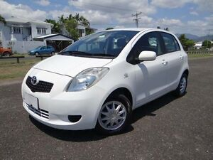2007 Toyota Yaris NCP90R YR White 5 Speed Manual Hatchback Bungalow Cairns City Preview