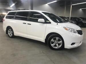 TOYOTA SIENNA CE 2012 / 7 PASSAGERS / DEMARREUR / 143900KM!