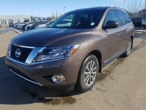 2015 Nissan Pathfinder 4WD SL Leather,  Heated Seats,  Back-up C