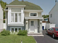 Beautiful detached single house in Laval