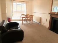 2 bedroom flat in Fielding Road, Brook Green