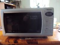 NICE CONDITION MICROWAVE
