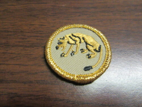 Stalking or Tracking Merit Badge, Historical Gold Mylar Border, 2010 issue   c49
