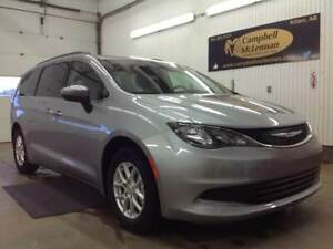 2017 Chrysler Pacifica LX | 3.6L | FWD | Hands Free