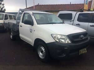 2009 Toyota Hilux TGN16R 09 Upgrade Workmate White 5 Speed Manual Cab Chassis Kooragang Newcastle Area Preview