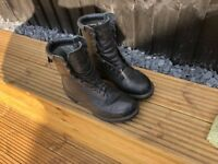 MENS GORTEX LEATHER BOOTS SIZE 8