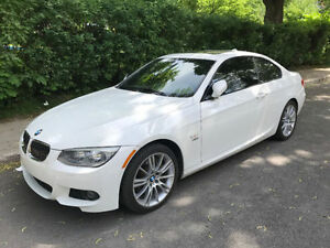 BMW 355 XI Coupée 2013- A1 - ALL OPTIONS- 21 500Km! GARANTIE