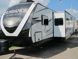 2018 SUNDANCE XLT 312- BUNKHOUSE WITH 2 SLIDES-LOADED!DUAL AIR!