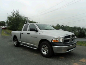 ONLY 177$ BI WEEKLY OAC.  2012 RAM 4X4