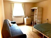 BETHNAL GREEN, E2, EXCELLENT 3 DOUBLE BEDROOM PURPOSE BUILD APARTMENT