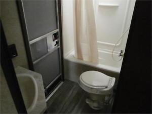 2017 FOREST RIVER GREY WOLF LIMITED 23DBH! BUNKS, SLIDE! $24495! London Ontario image 12