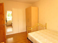 Double Room in a flat share with other professional near Camden** N7 0QN AVAILBLE