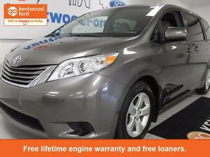 2016 Toyota Sienna Sienna LE with heated front seats and power s