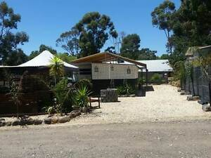 35ft Caravan and Annexe on site Knowsley Bendigo Surrounds Preview
