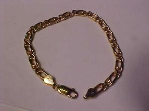 "#7101- 18k puffed yellow gold bracelet 8 1/2""   8.90 grams of 18k-also available is the matching chain posted seperatly"