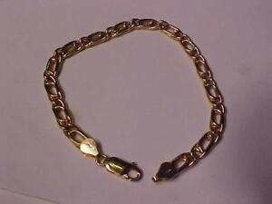 "#7101- 18k puffed yellow gold bracelet 8 1/2""   8.90 grams of 18k-also available is the matching chain also posted"