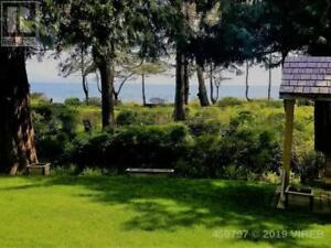 6301 ISLAND W HWY QUALICUM BEACH, British Columbia