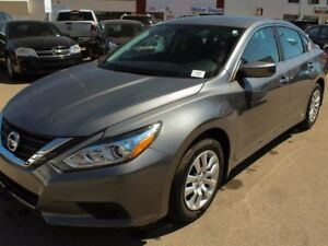 2017 Nissan Altima 2017 CLEARANCE!! Bluetooth, Push Button Start