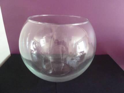 Large fish bowl - 30cms diameter..