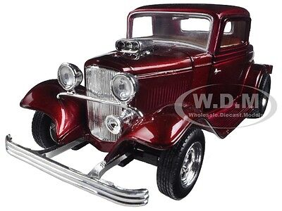 1932 FORD COUPE BURGUNDY 1:24 DIECAST MODEL CAR BY MOTORMAX 73251