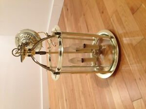 Brass entry light fixture in excellent condition London Ontario image 3