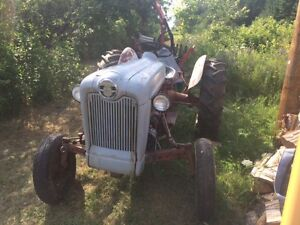 57 FORD TRACTOR MODEL 800, PRICE DROPS $50 A WEEK DAY TIL GONE