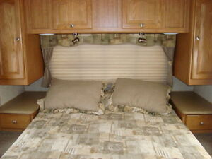 Rockwood Signature Ultra Light Trailer - 31BHS St. John's Newfoundland image 7