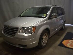 2008 Chrysler Town & Country Touring - DVD, CD Player, Media Inp