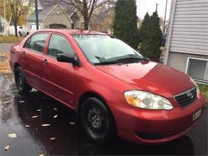 TOYOTA COROLLA 2005 AIR CLIM, STARTER , TRES PROPE