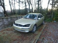 breaking ford mondeo 2.ltr petrol engine and 5 speed gearbox