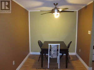 $450 room for rent (available from Dec1) London Ontario image 3