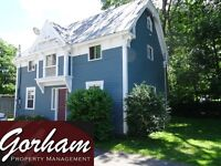 3 BEDROOM HOUSE - AUG 1ST - DOWNTOWN - 2 STOREY - PARKING
