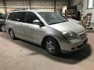 2006 Honda Odyssey EX-L Leather Seats! DVD Player!